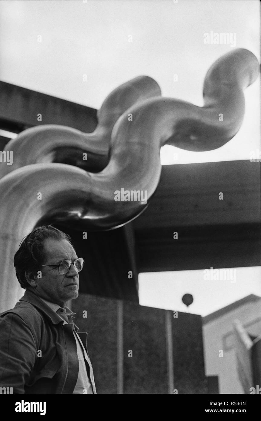jorge-lewinski-1921-2008-photographed-at