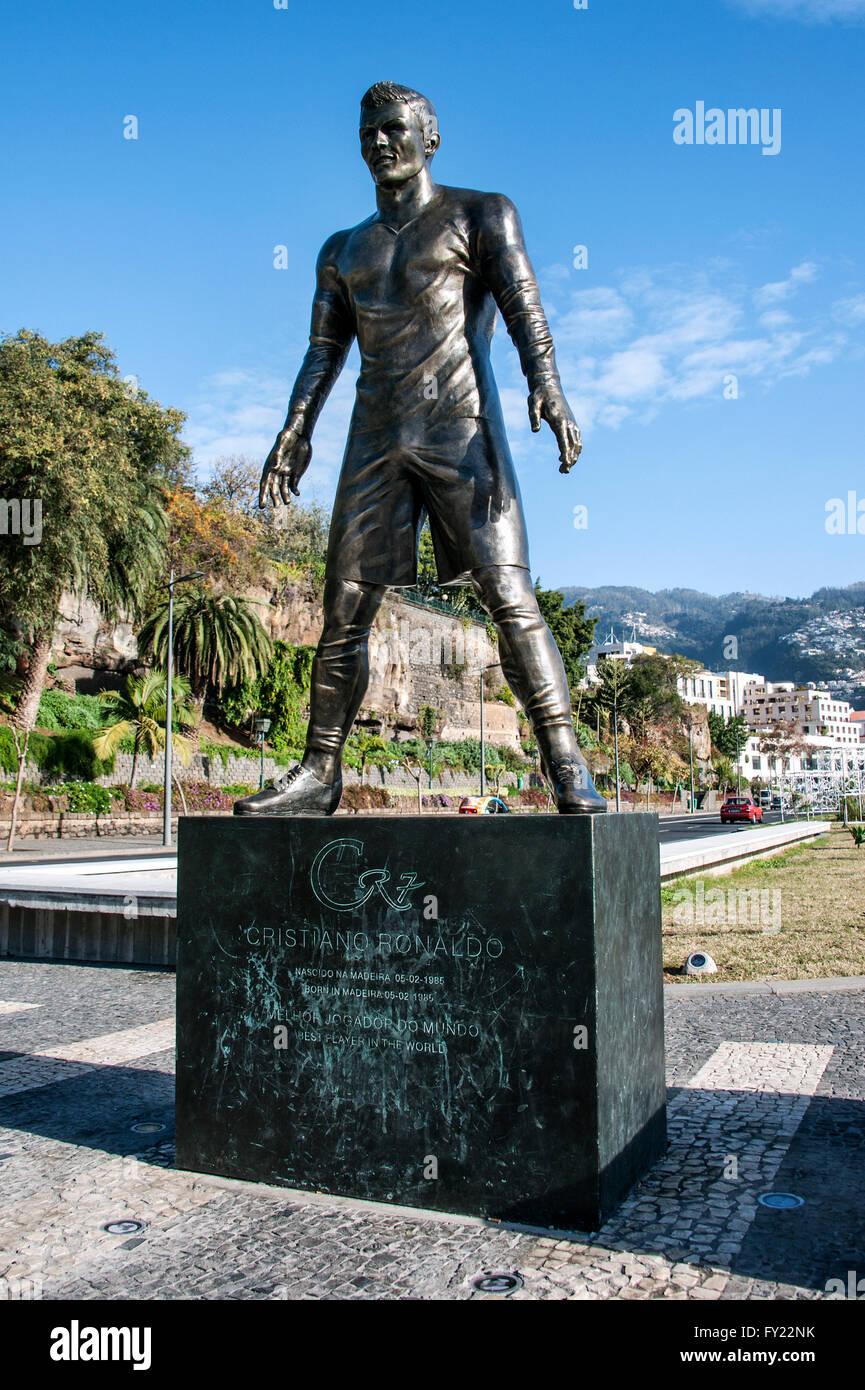 Ronaldo Statue