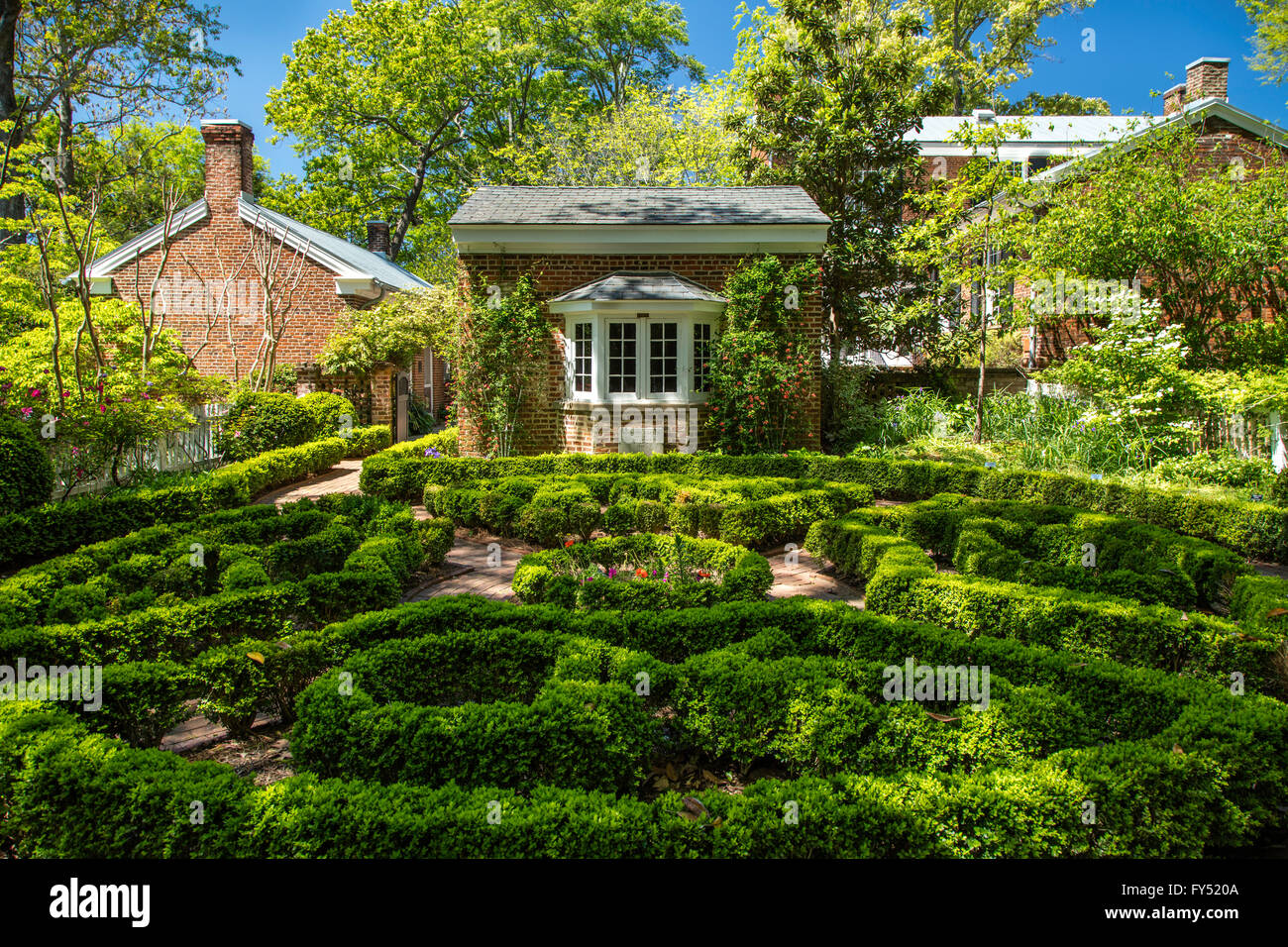 Founders Memorial Garden And House On University Of Georgia Campus Stock Photo Royalty Free