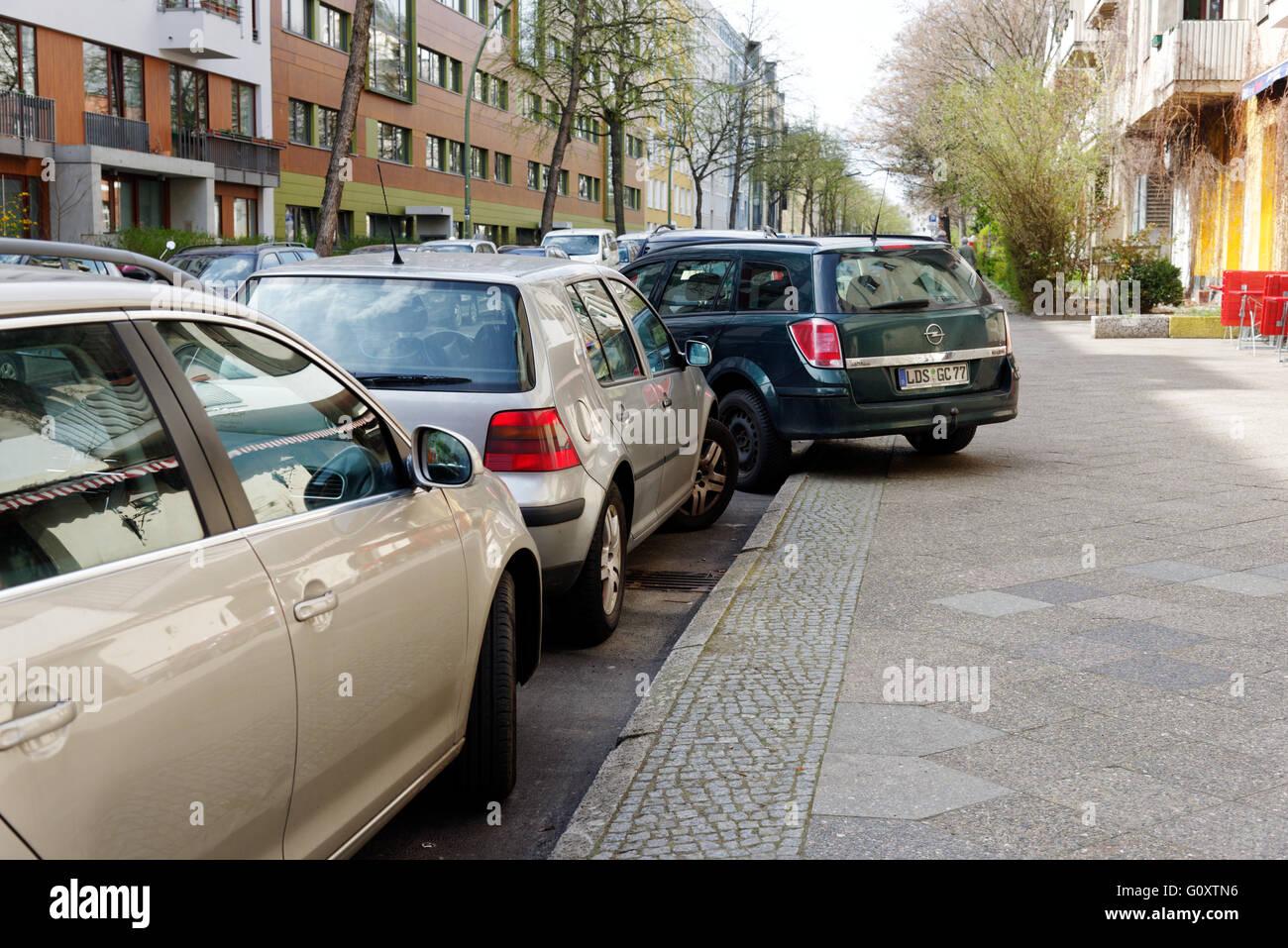 bad-parking-in-berlin-G0XTN6.jpg