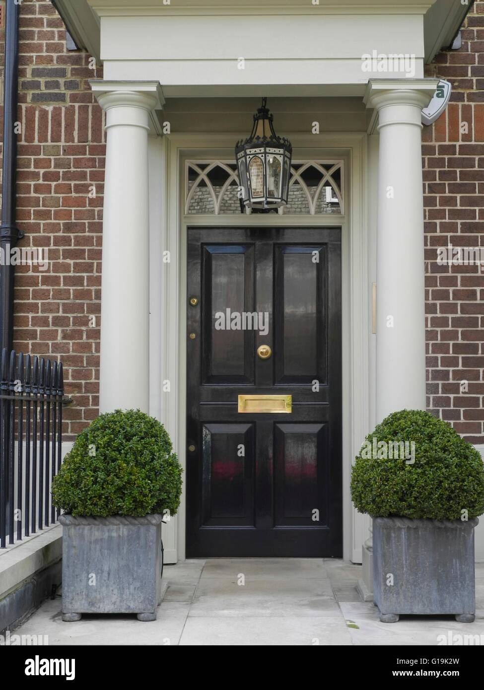 Elegant painted front doors in mayfair notting hill for Elegant front doors