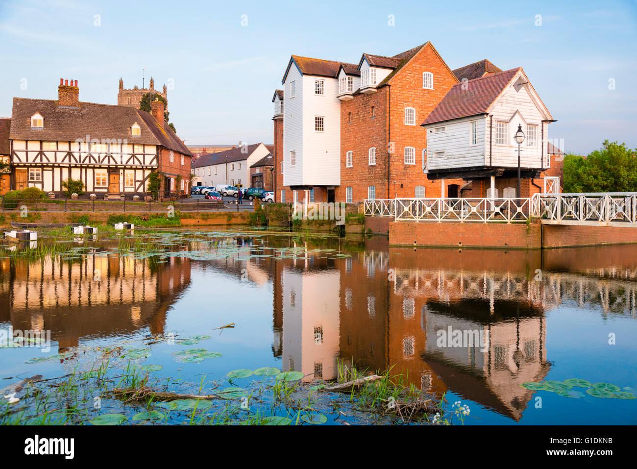 tewkesbury-water-mill-gloucestershire-uk
