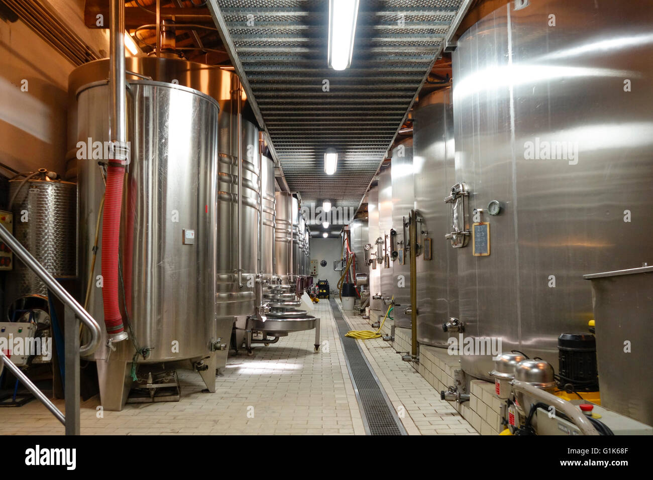 stainless-steel-fermentation-tanks-for-c