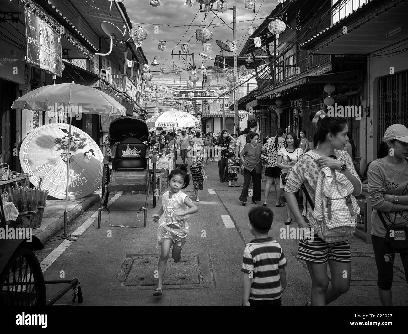 traditional-street-scene-china-town-thai