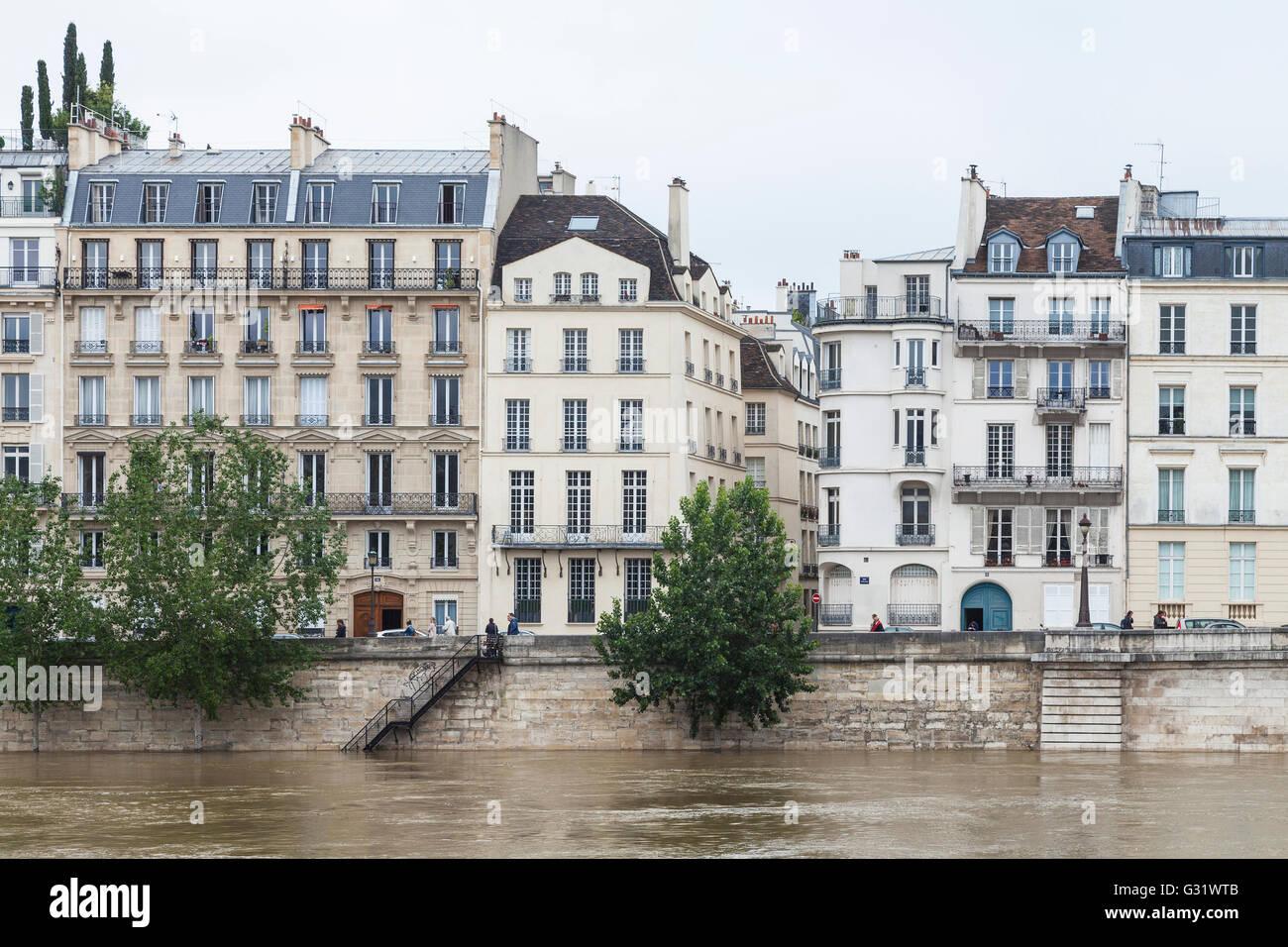 Flood in paris ile de st louis quai d 39 orleans 2016 - Hotel ile saint louis ...
