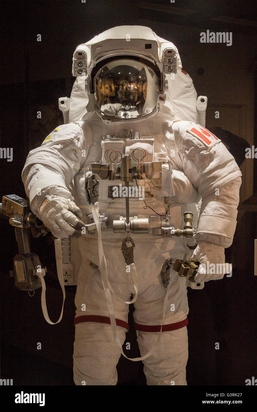 space-suit-worm-by-canadian-astronaut-on