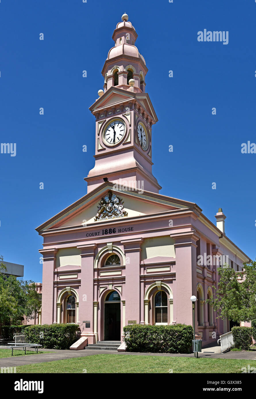 Historic Home Elevation : Front elevation of the pink historic inverell court house