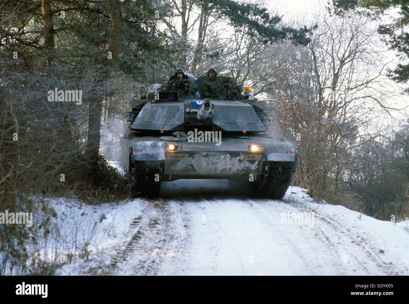 http://c7.alamy.com/comp/G3YK05/us-army-tanks-m-1-abram-during-nato-exercises-in-germany-G3YK05.jpg