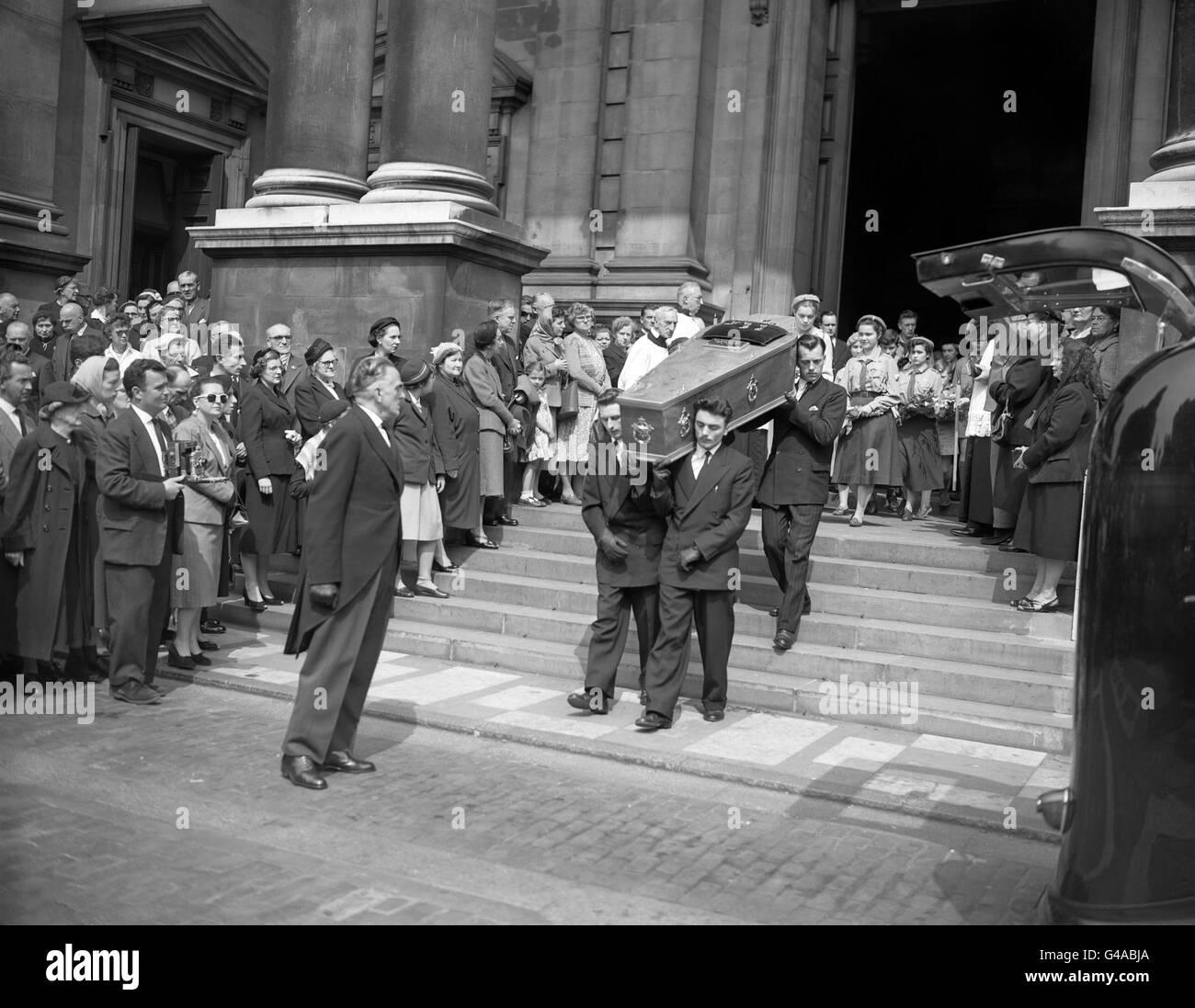 Crime - Countess Teresa Lubienska Funeral - Brompton Oratory, London Stock Photo