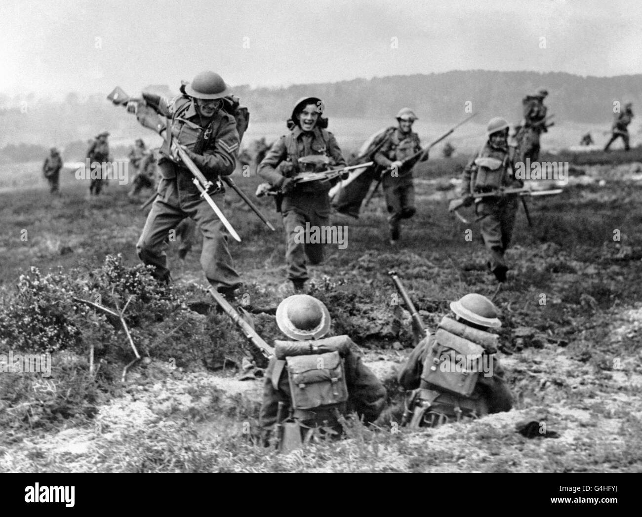 canadian troops in ww2 Diplomatic/military role of the united states and canada in wwii mitasha sujan  nikita mainaly shay fajardo united states: diplomatic role after wwi.
