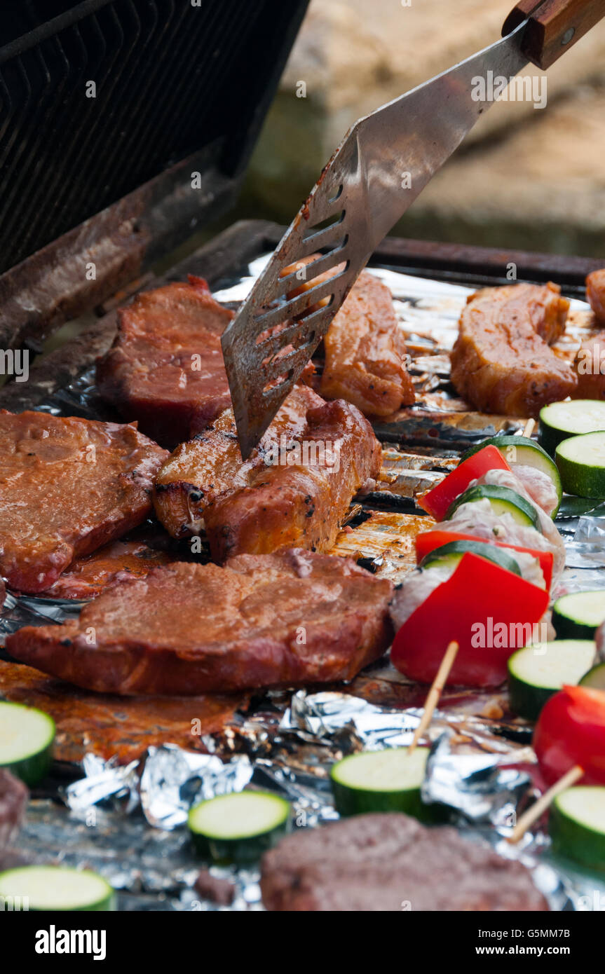 barbecue-close-up-G5MM7B.jpg