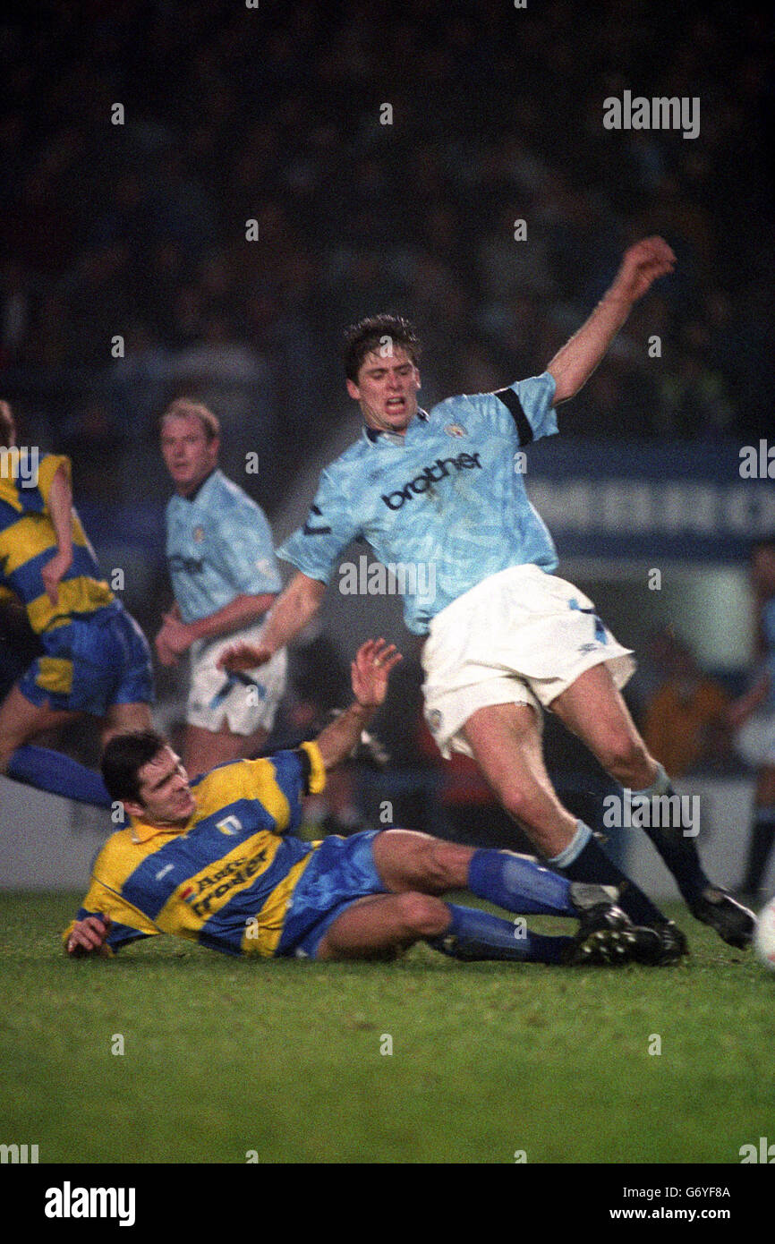 Soccer - FA Cup - 3rd Round - Manchester City v Reading - Maine Road Stock Photo