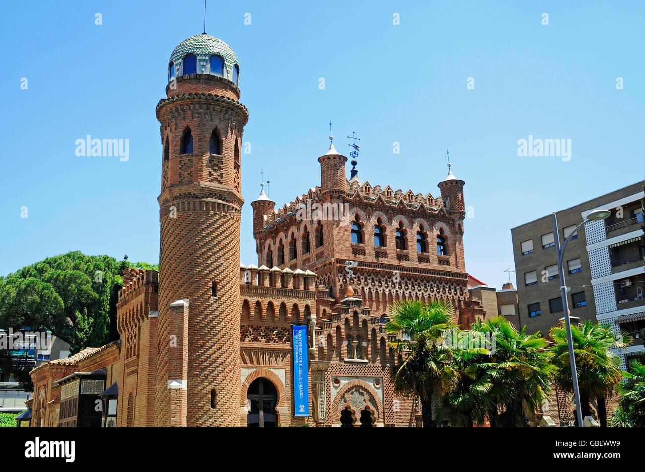 Palace of laredo museum university building alcala de - Arquitectos alcala de henares ...