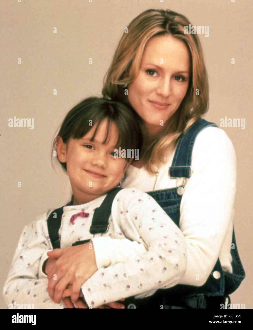 Lauren Suzanne Pratt, Mary Stuart Masterson *** Local Caption *** 1997, On The 2nd Day Of Christmas, Am Zweiten Stock Photo
