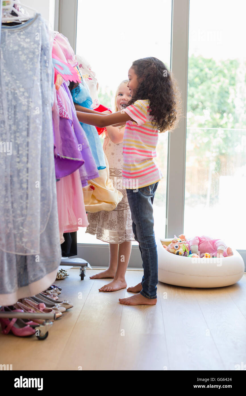 Shop a great selection of Little Girl Clothing at Nordstrom Rack. Find designer Little Girl Clothing up to 70% off and get free shipping on orders over $