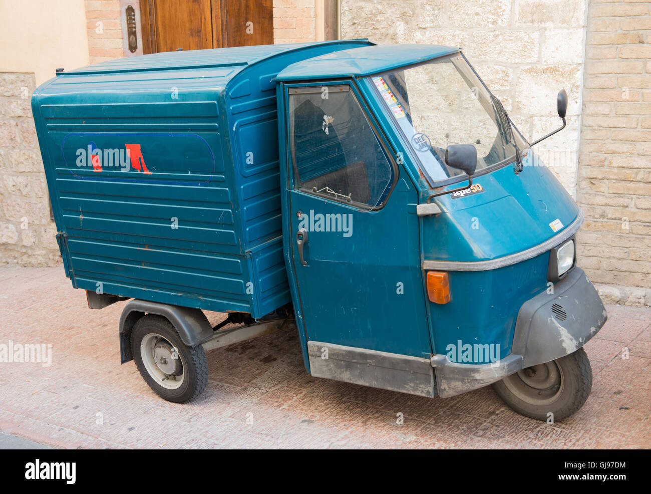piaggio ape 50 three wheel van stock photo 114529456 alamy. Black Bedroom Furniture Sets. Home Design Ideas