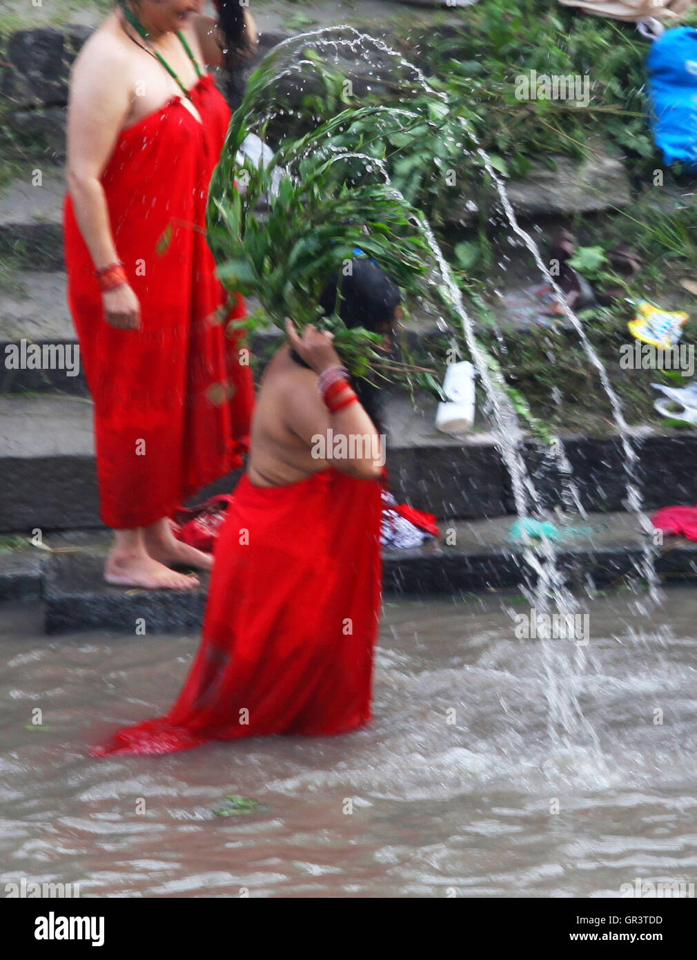 Traditional Sacred Bathing in Nepal 57