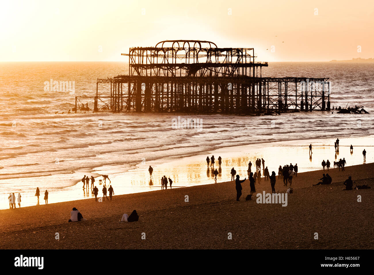 sunset-over-the-ruined-west-pier-brighto