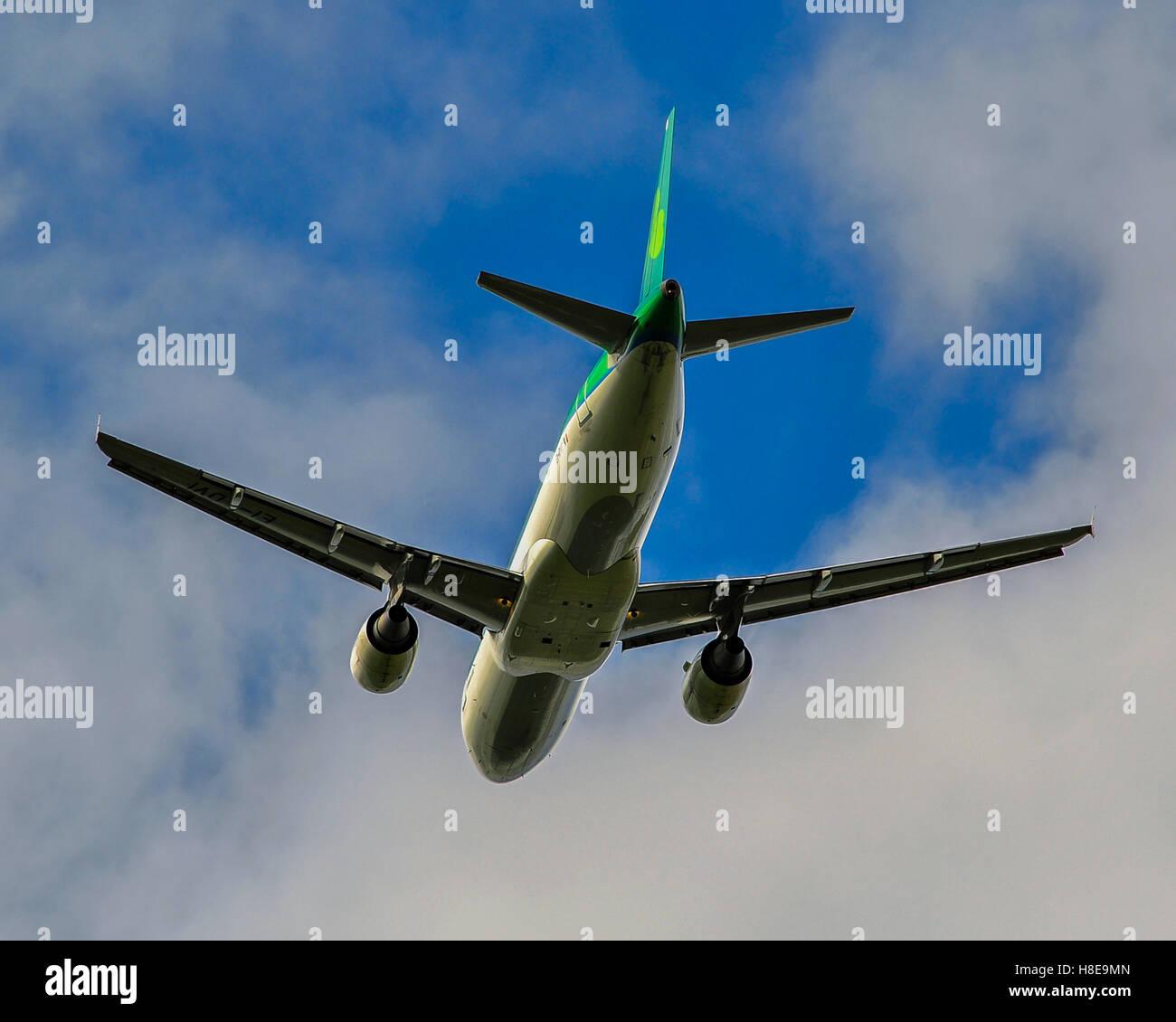 an-aer-lingus-airbus-a320-cork-airport-i