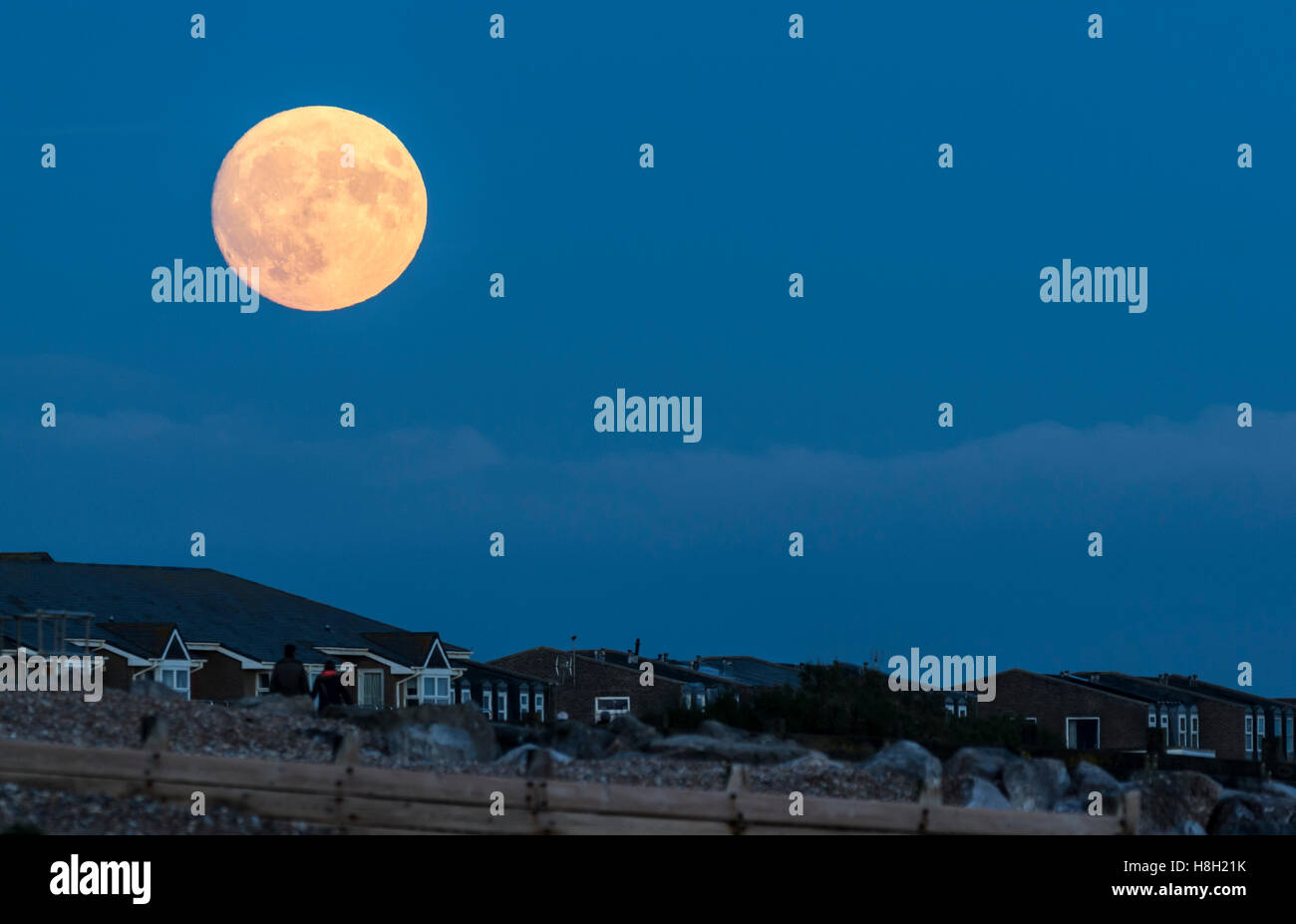 supermoon-above-the-south-coast-of-west-