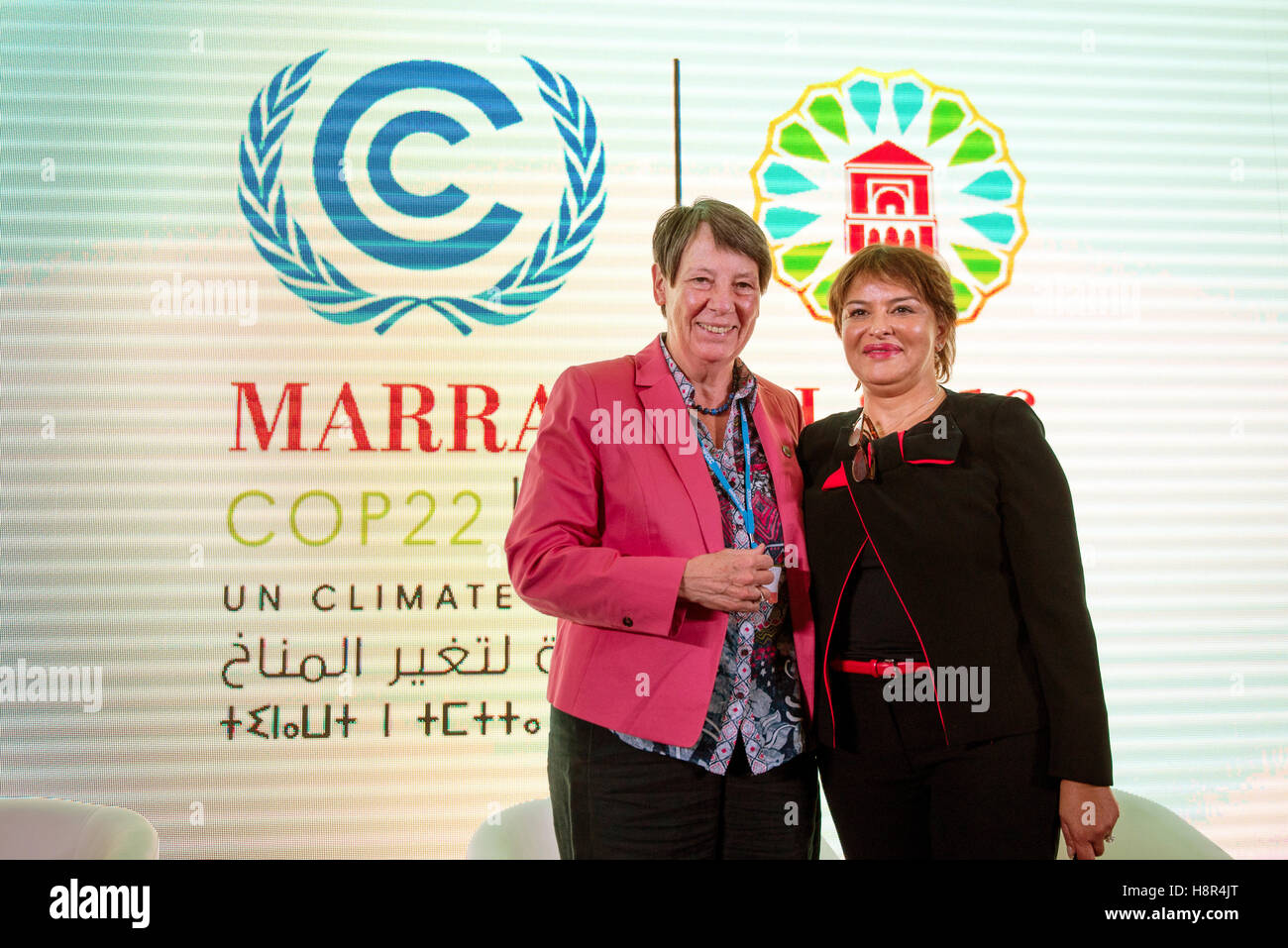 Marrakech, Morocco. 15th Nov, 2016. The German Federal Minister of the Environment Barbara Hendricks and Moroccan Stock Photo
