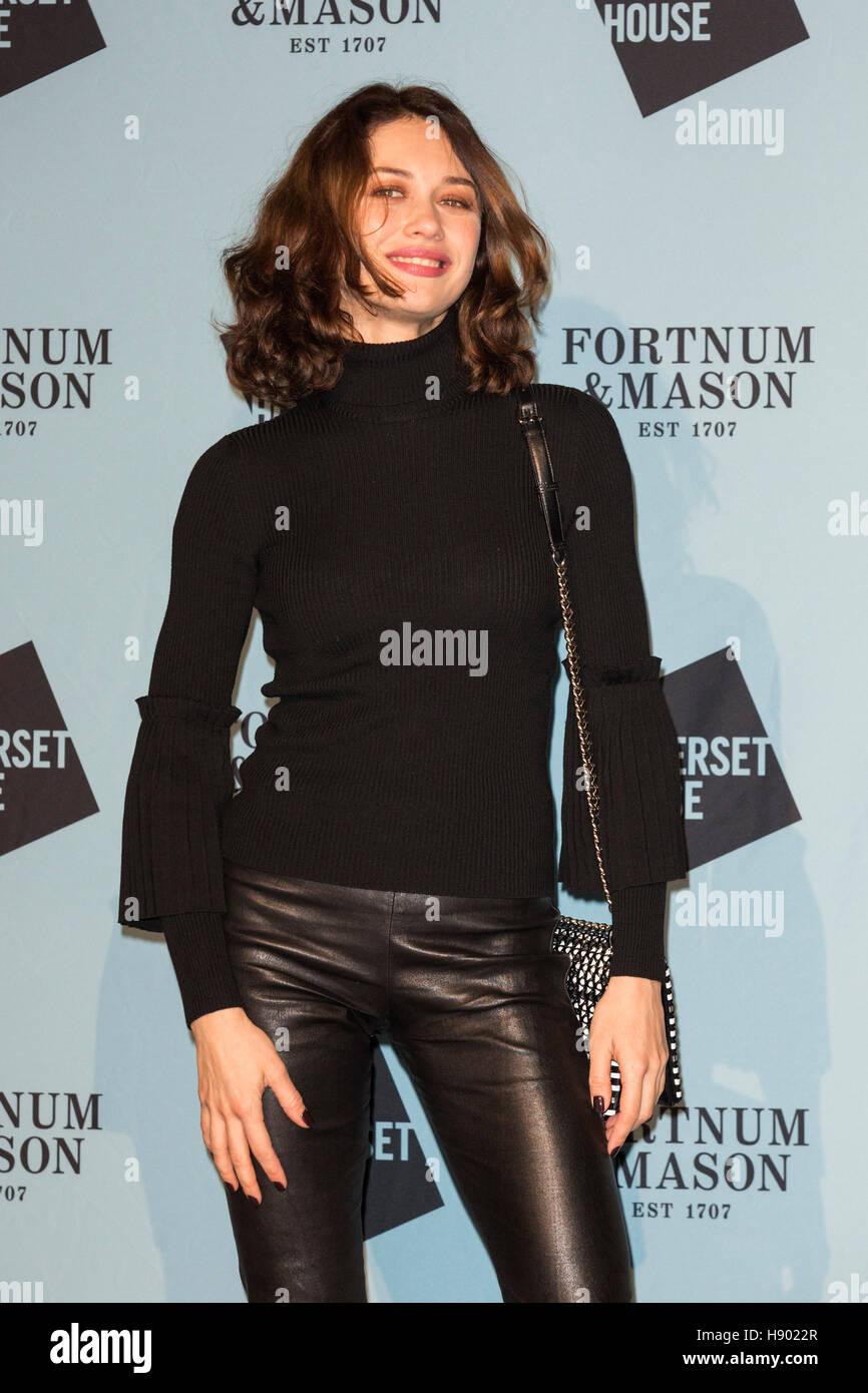 london uk 16th november 2016 pictured actress olga kurylenko stock photo royalty free image. Black Bedroom Furniture Sets. Home Design Ideas