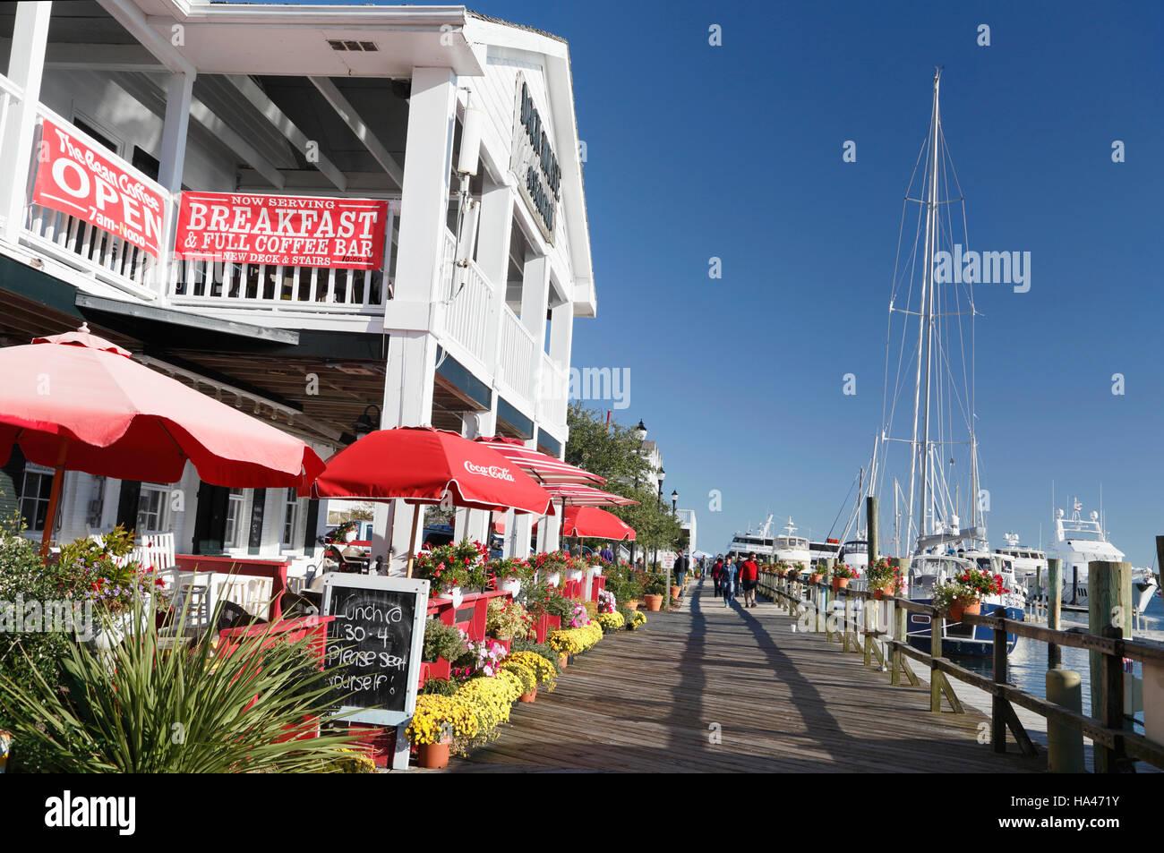 waterfront-in-beaufort-north-carolina-HA