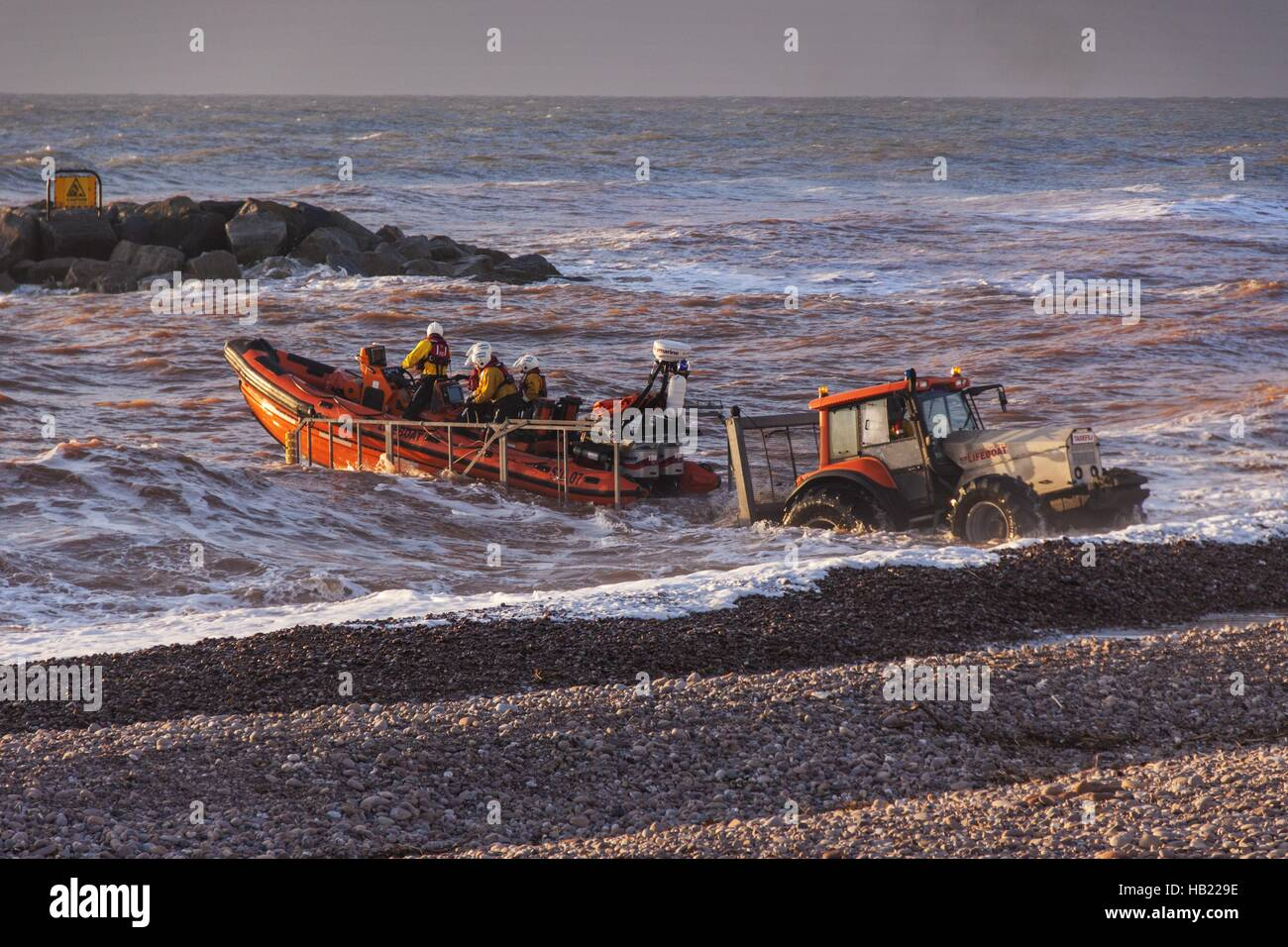 sidmouth-devon-4th-dec-16-the-crew-of-si