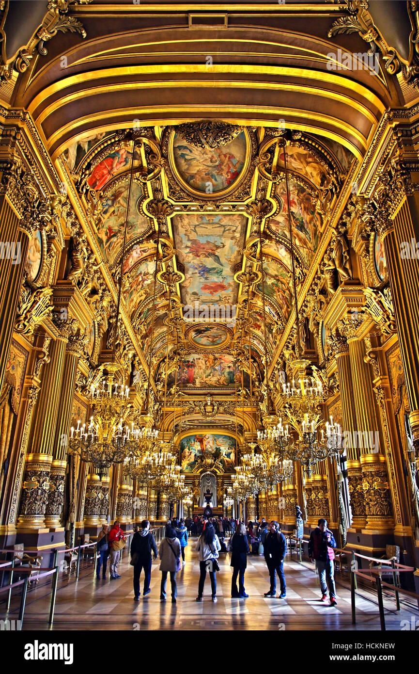 Opera House Southern Foyer : The grand foyer in palais garnier national opera house