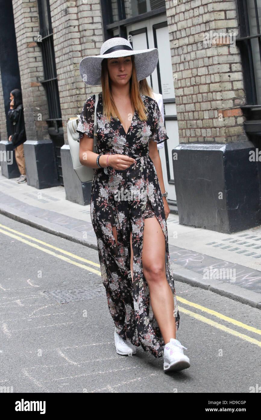 London Fashion Week Spring Summer 2017 Street Style On