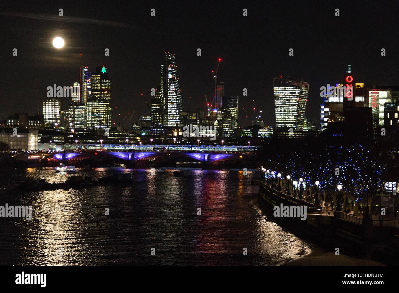 london-uk-14-december-2016-the-full-moon