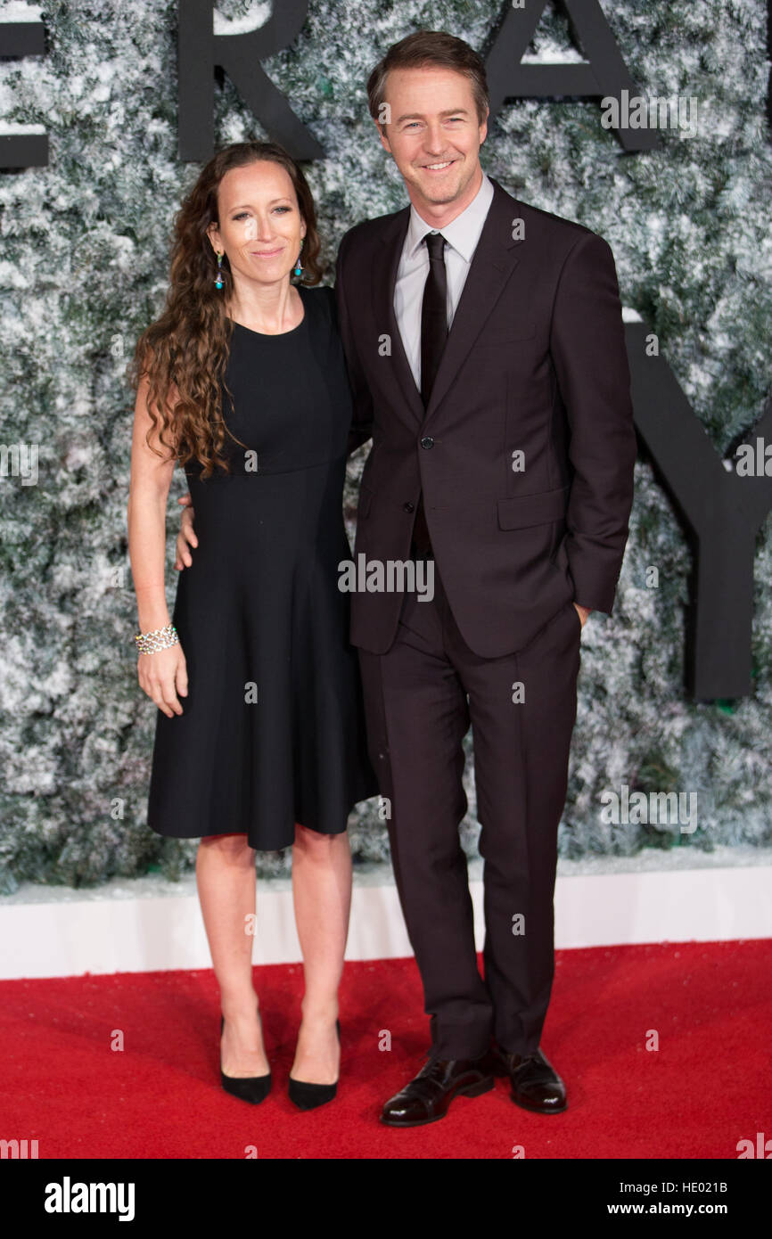 Leicester Square, London, UK. 15th Dec, 2016. Shauna Robertson & Edward Norton attend the European Premiere of Collateral Stock Photo