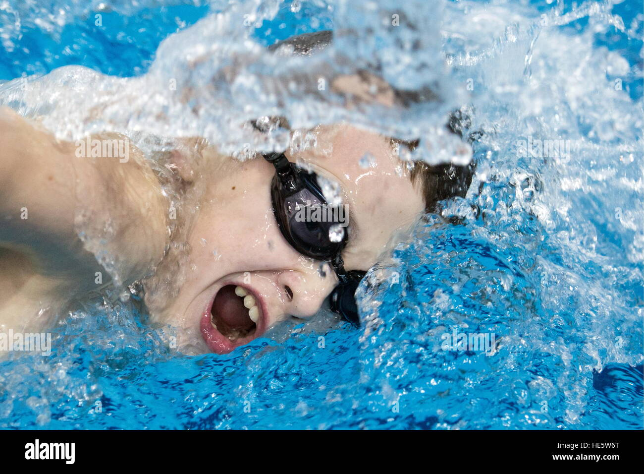 Omsk, Russia. 16th Dec, 2016. A participant in a swimming competition at the Omsk Cadet Corps. © Dmitry Feoktistov/TASS/Alamy Stock Foto