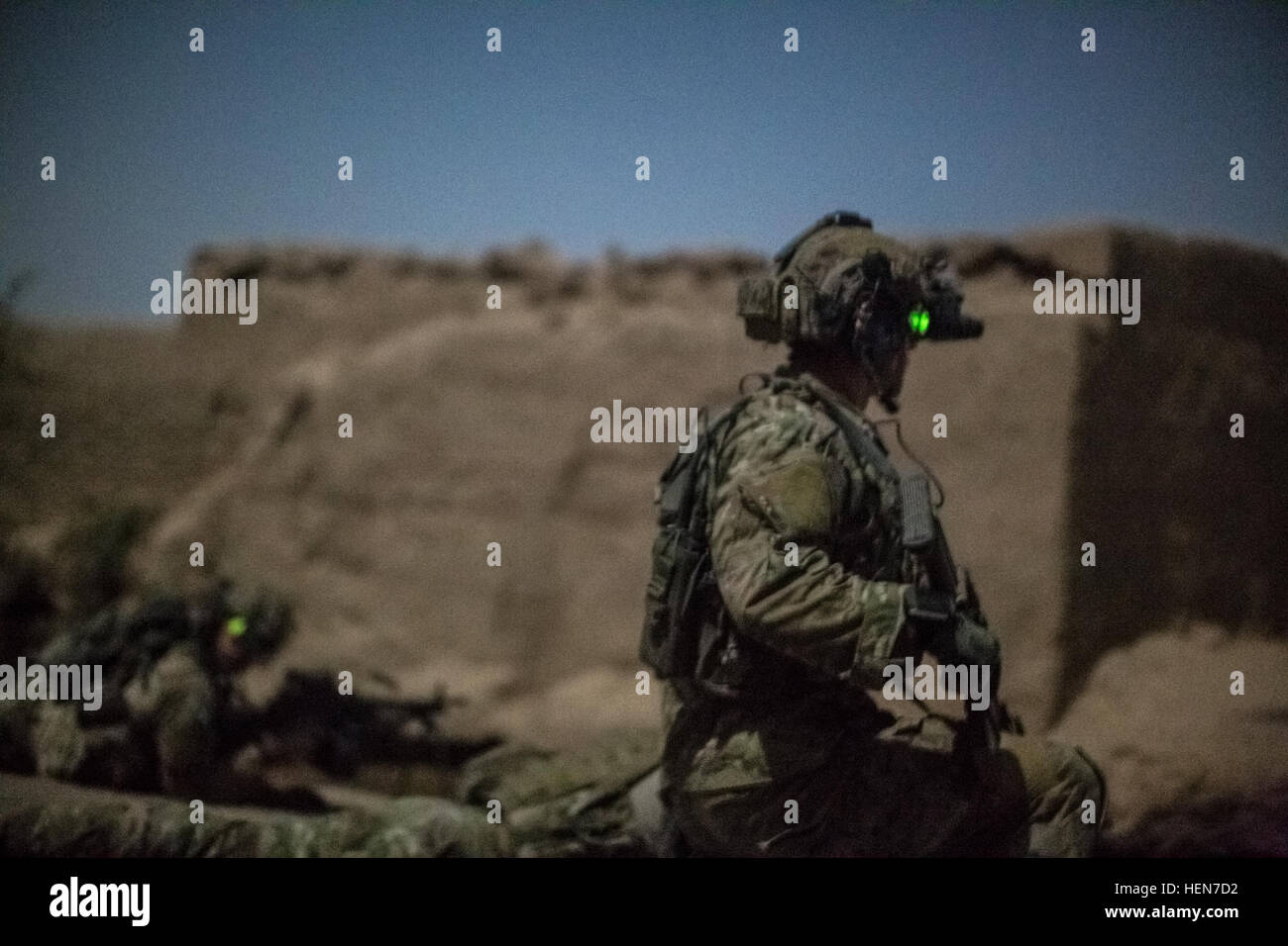 http://c7.alamy.com/comp/HEN7D2/coalition-force-members-provide-security-during-an-operation-in-helmand-HEN7D2.jpg