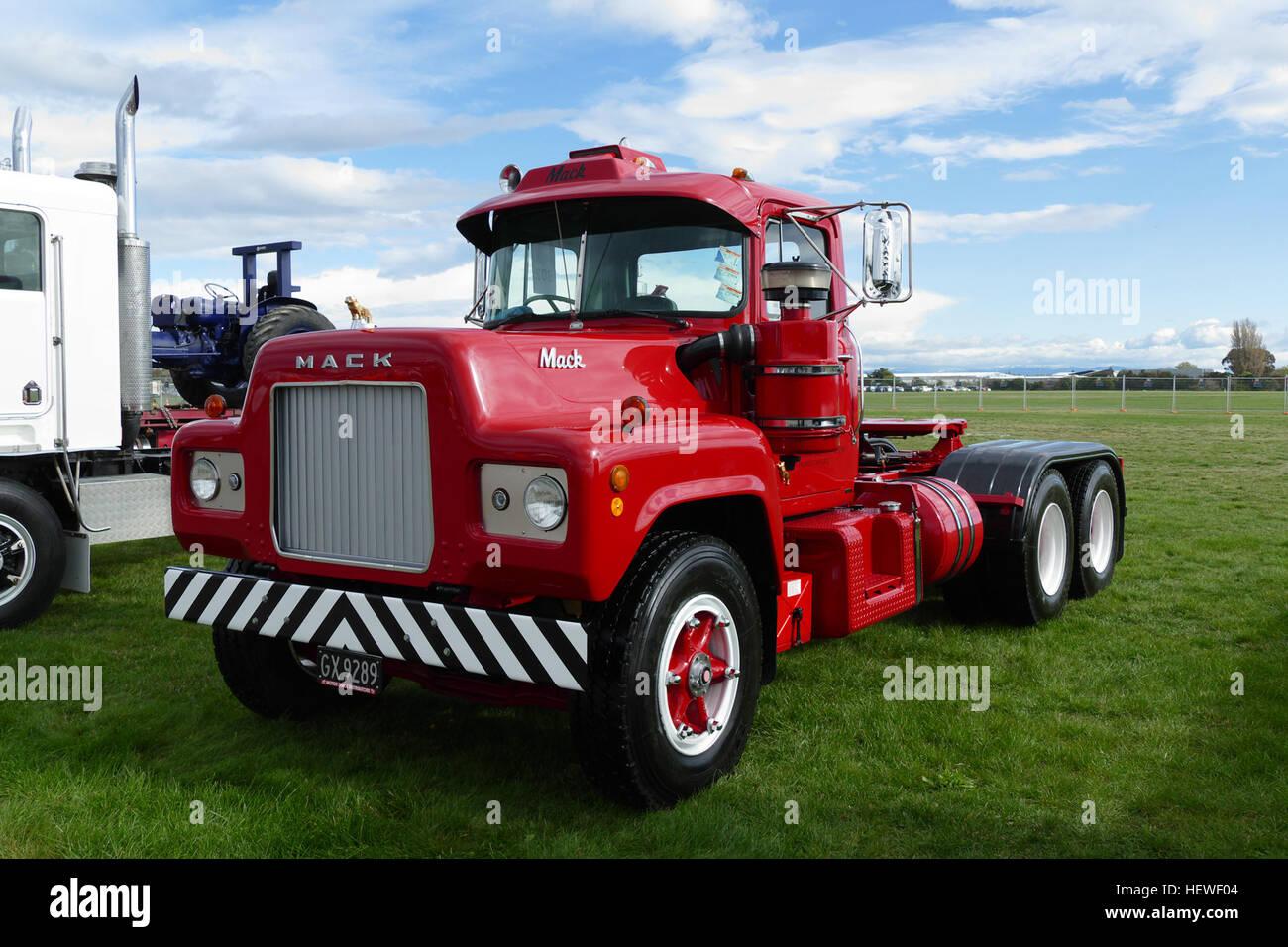 R Model Mack Show Truck : Christchurch truck show the mack r model was a class