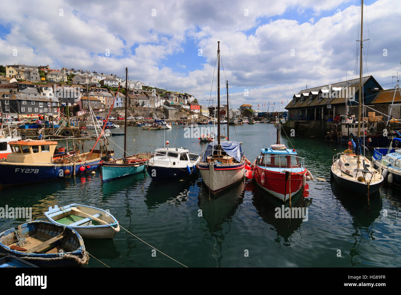 fishing-boats-and-dinghies-in-the-harbou