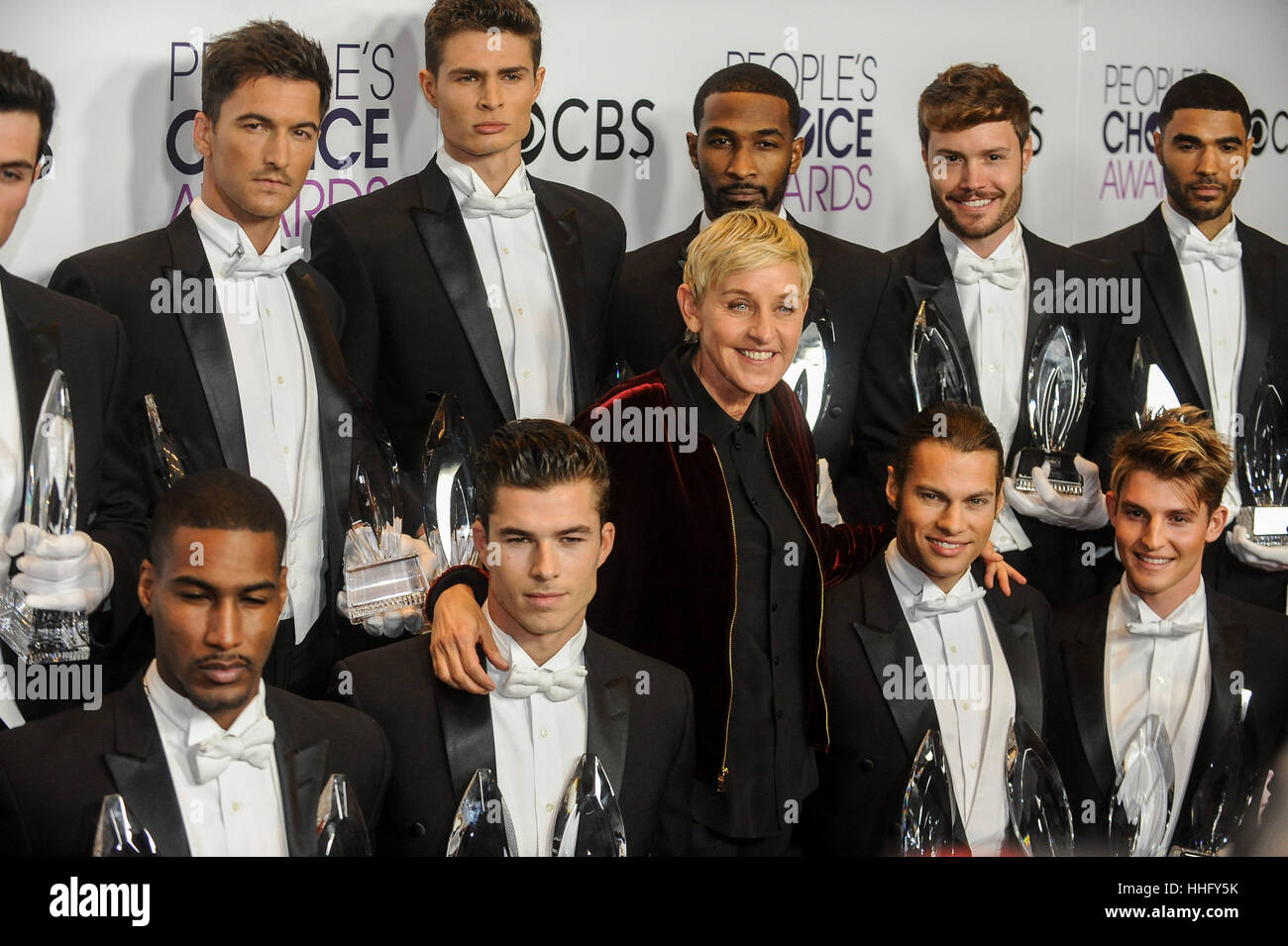 Los Angeles, USA. 18th Jan, 2017. Ellen DeGeneres (C), winner of Favorite Daytime TV Host, Favorite Animated Movie Stock Foto