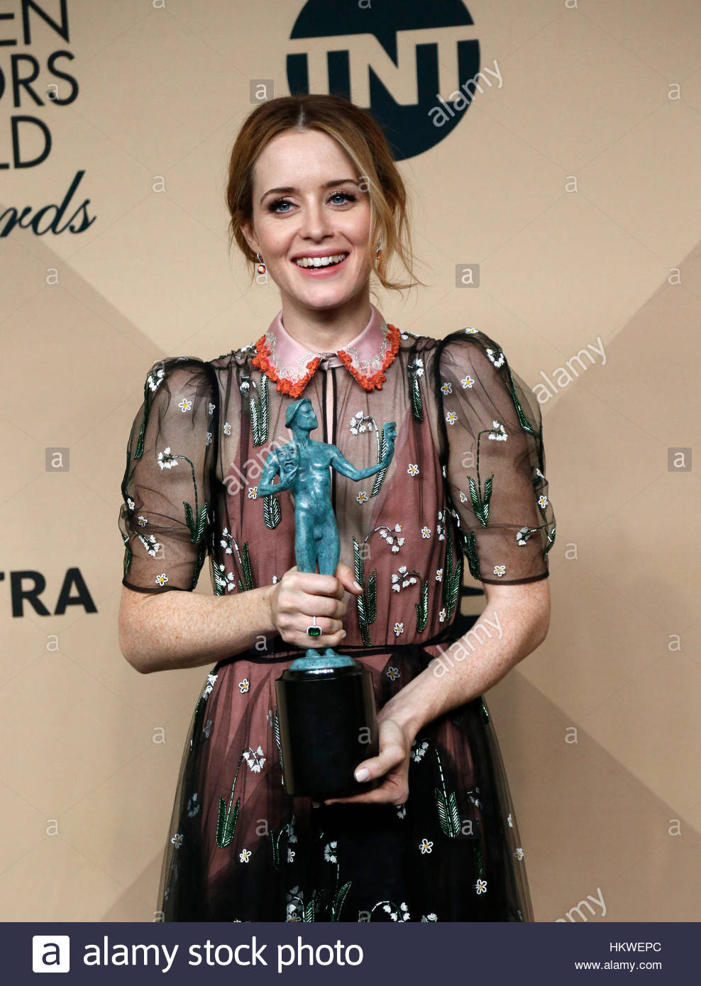 Actress Claire Foy poses with the award she won for Outstanding Performance by a Female Actor in a Drama Series Stock Foto