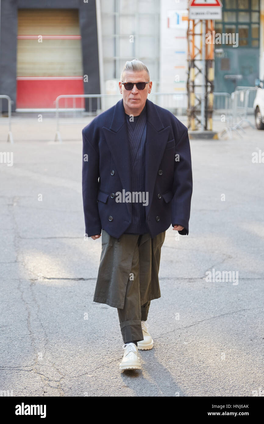 MILAN - JANUARY 16: Nick Wooster with blue jacket before ...