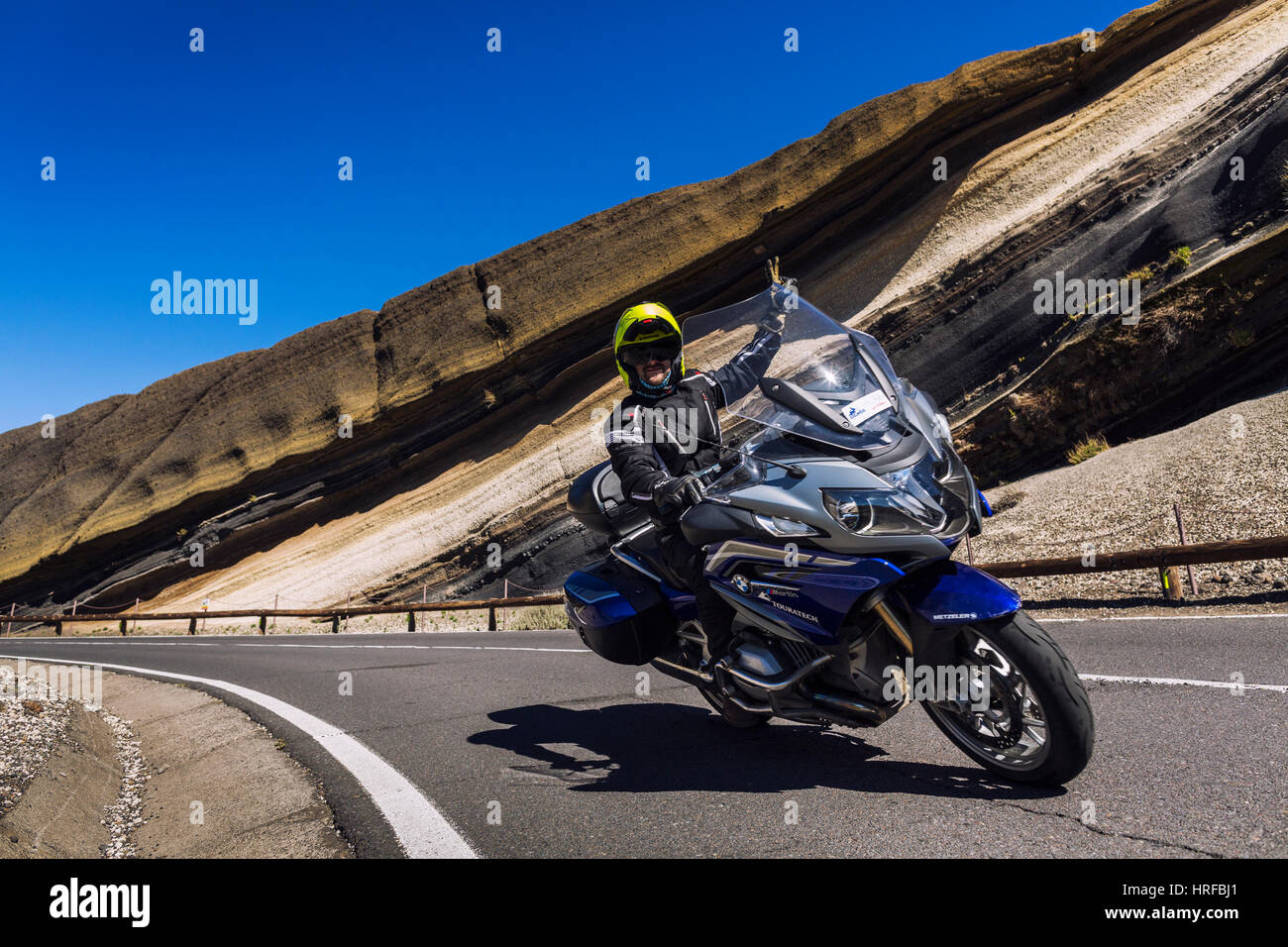 motorcycle-tour-riding-on-tenerife-roads