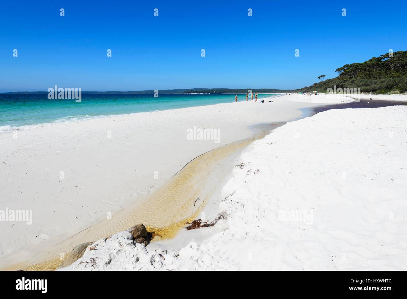 hyams-beach-is-a-spectacular-stretch-of-