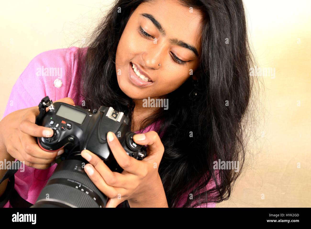 trying-out-a-new-dslr-camera-HYK2GD.jpg