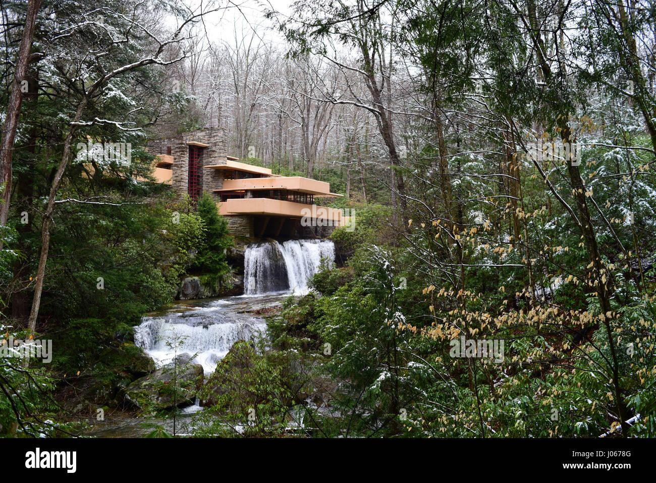 frank-lloyd-wright-fallingwater-mill-run