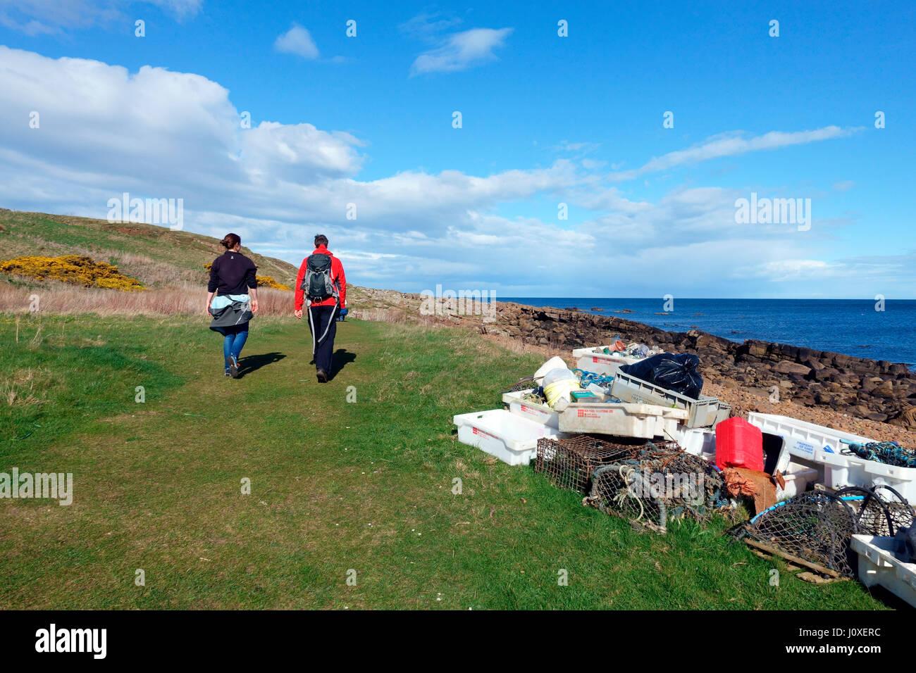 walkers-pass-collected-marine-debris-fro