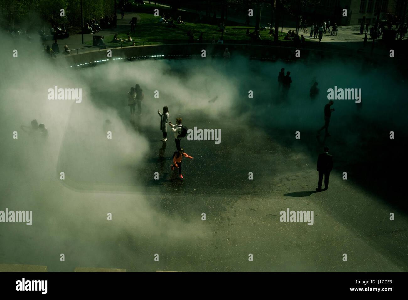 Fujiko Nakaya immersive fog sculpture at Tate Modern, London Stock Photo