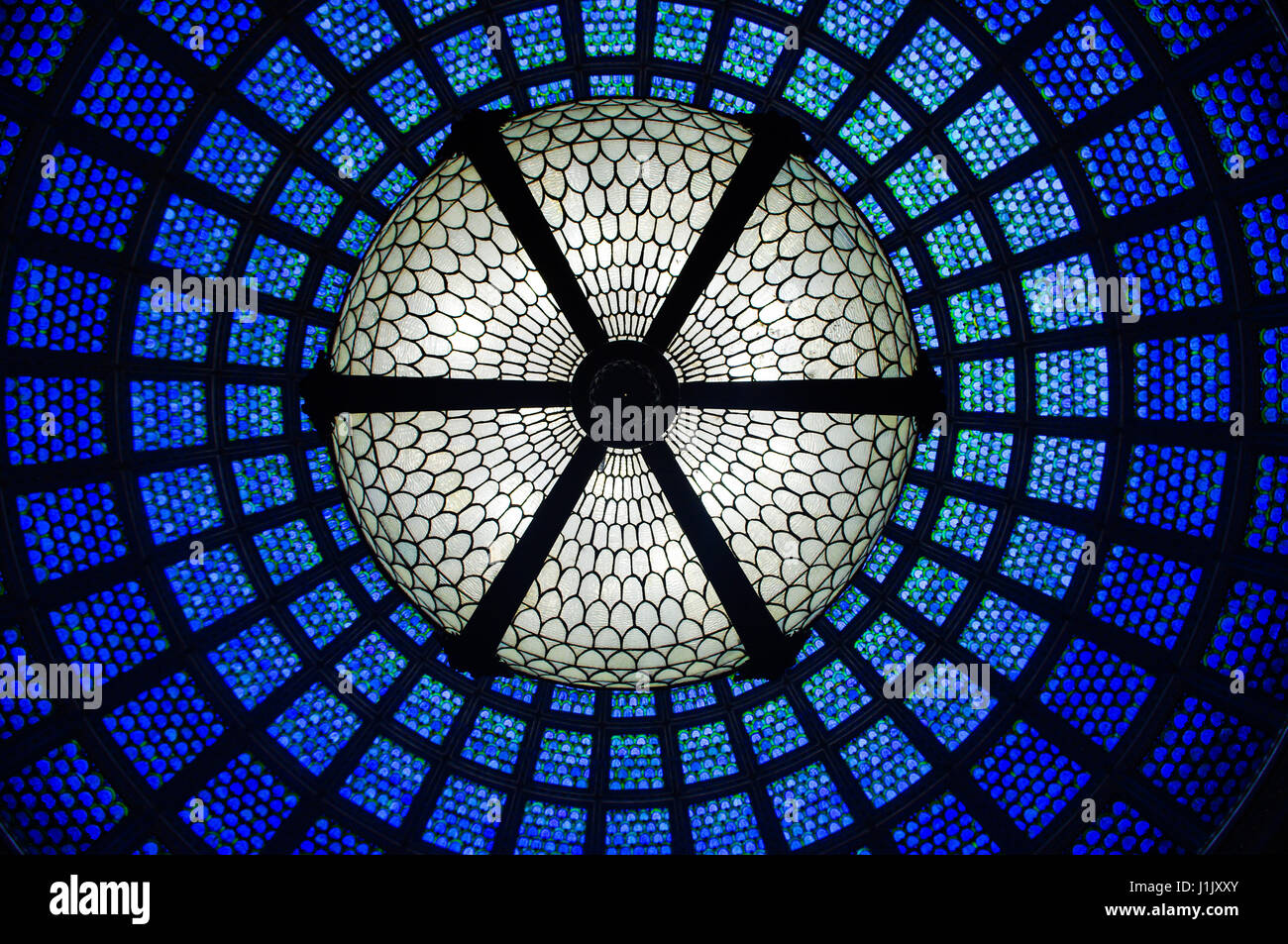 glass-dome-glass-ceiling-in-the-cultural