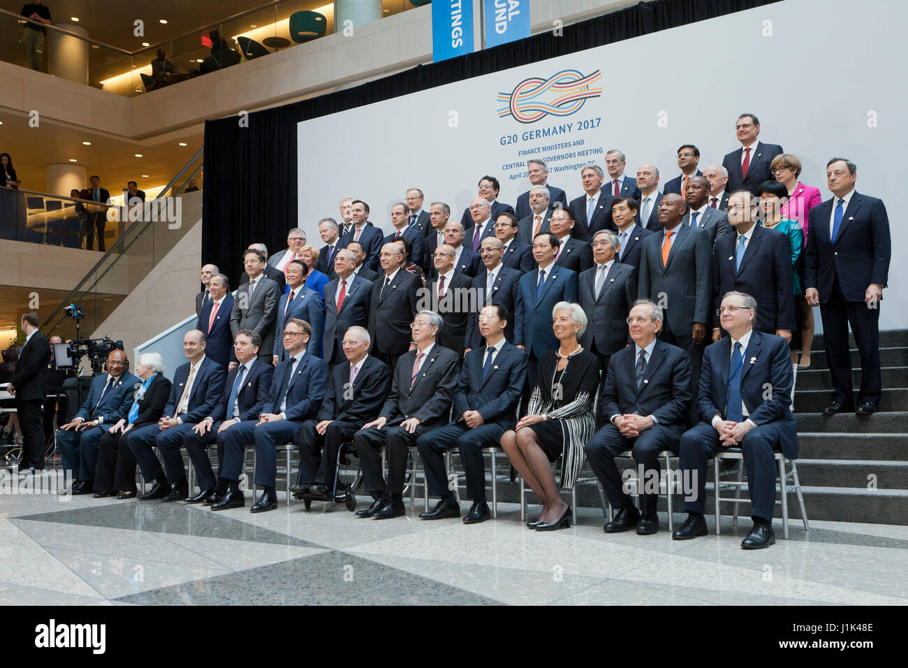 Washington, USA, 21st Apr. 2017:  G20 Finance Ministers and Central Bank Governors pose for a photo after meeting Stock Foto