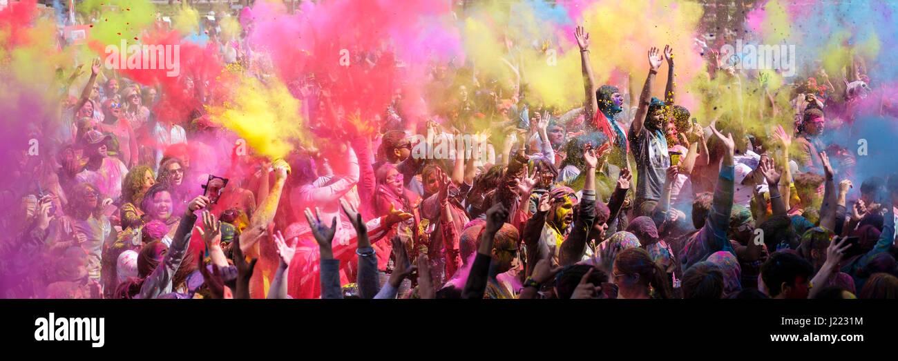 crowd-of-revellers-holi-spring-festival-