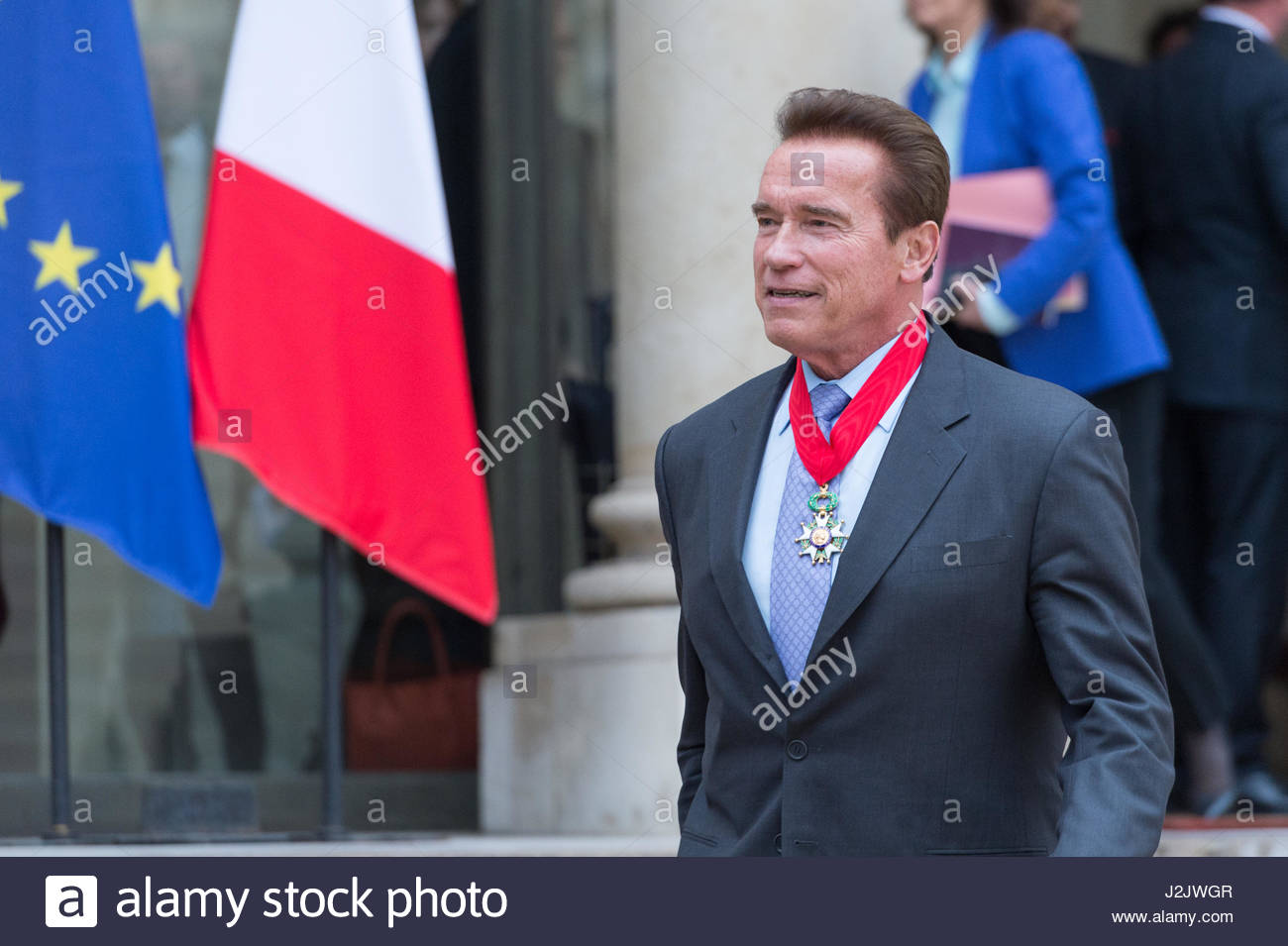 Paris, France. 28th Apr, 2017. US actor and former governor of California Arnold Schwarzenegger leaves after he Stock Foto