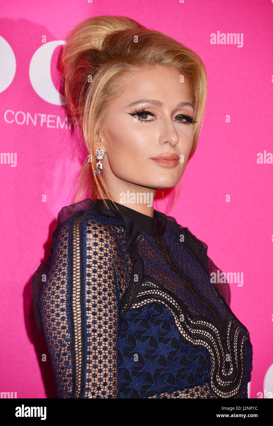 Los Angeles, California, USA. 29th Apr, 2017. Paris Hilton 67 arriving at the 2017 MOCA Gala at tThe Geffen Contemporary Stock Foto